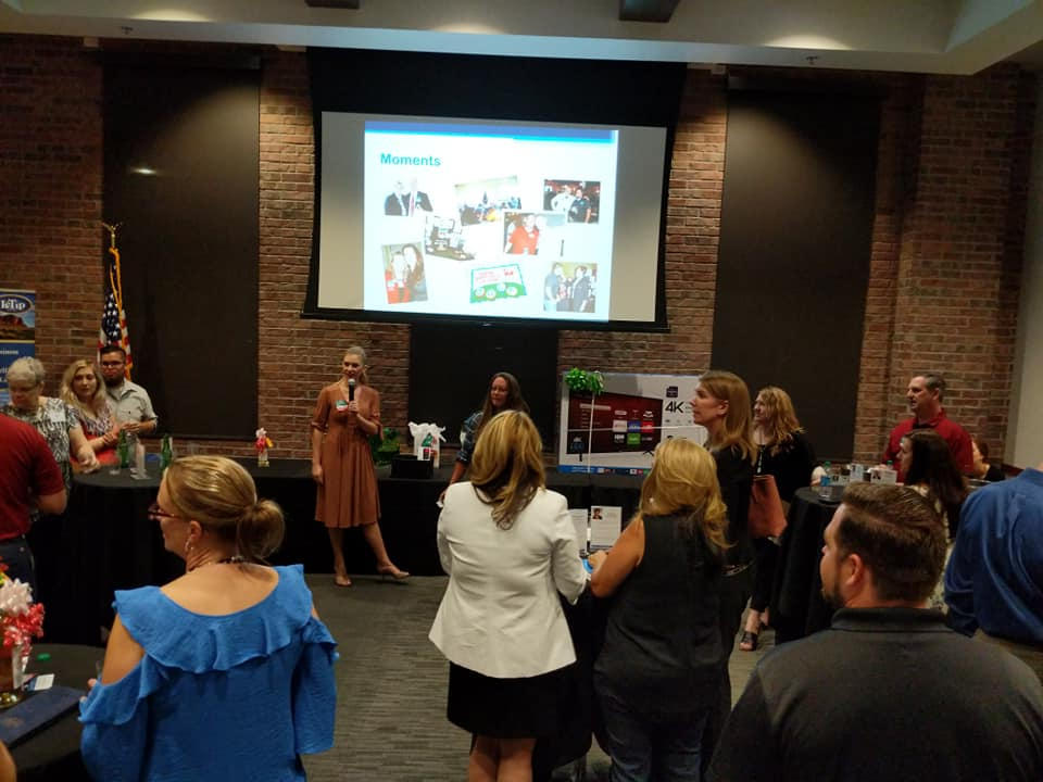 LeTip of Superstition Gateway's September Business Mixer